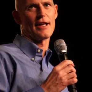 Scott keeps up pressure on House GOP
