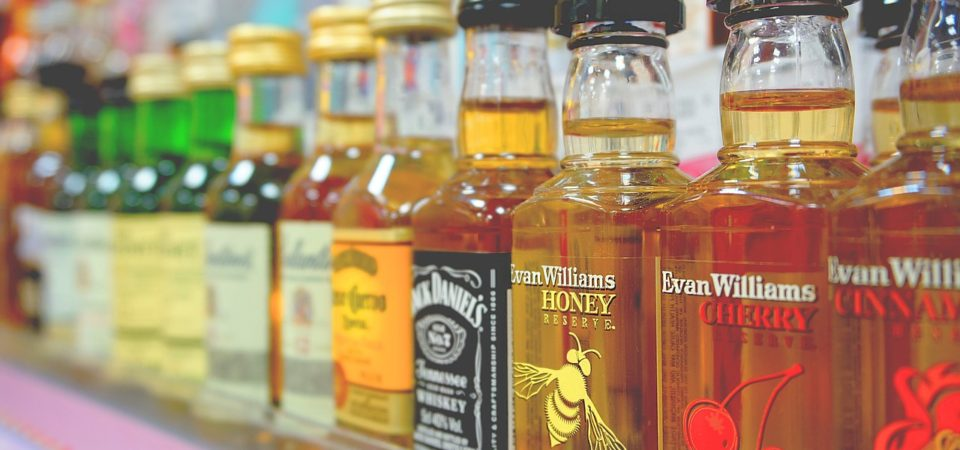 'Liquor Wall' Fight Turns to Convenience Stores