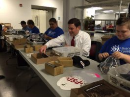 Arizona Gov. Ducey visits people with disabilities/Beacon Group