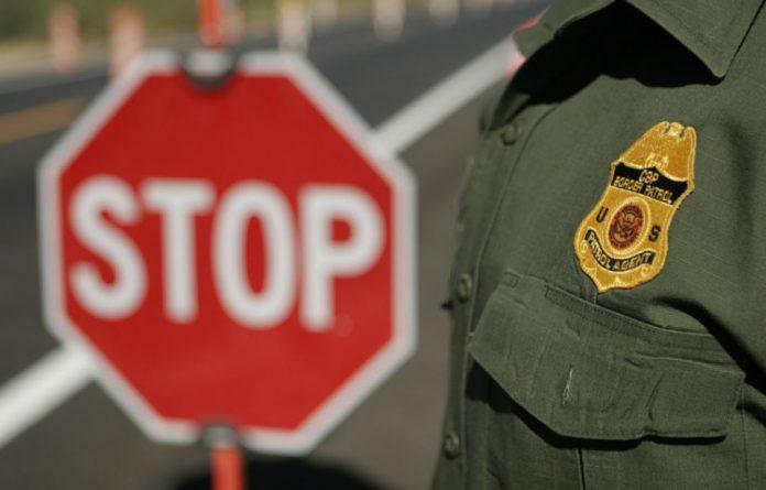 Border Patrol agents Stop human smuggling