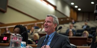 Mayor Bill de Blasio defends Amazon deal