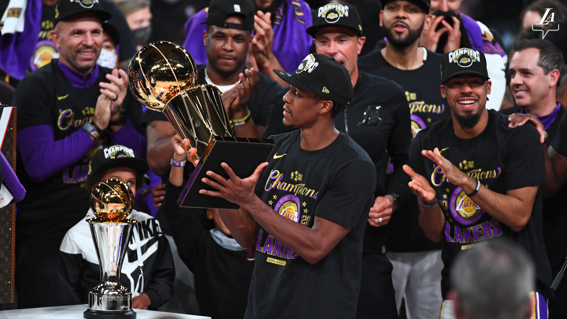 Crowds flood at downtown LA following Lakers 2020 championship victory