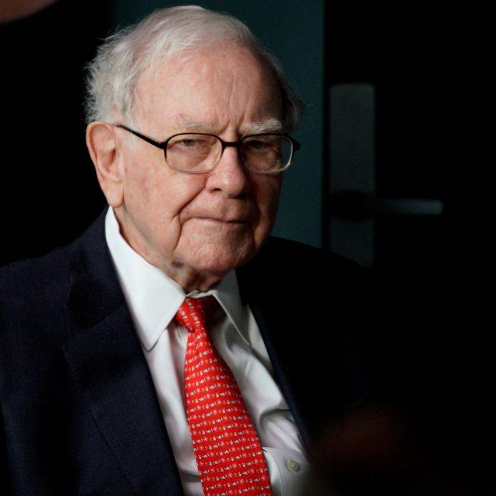Warren Buffet CEO of Berkshire Hathaway