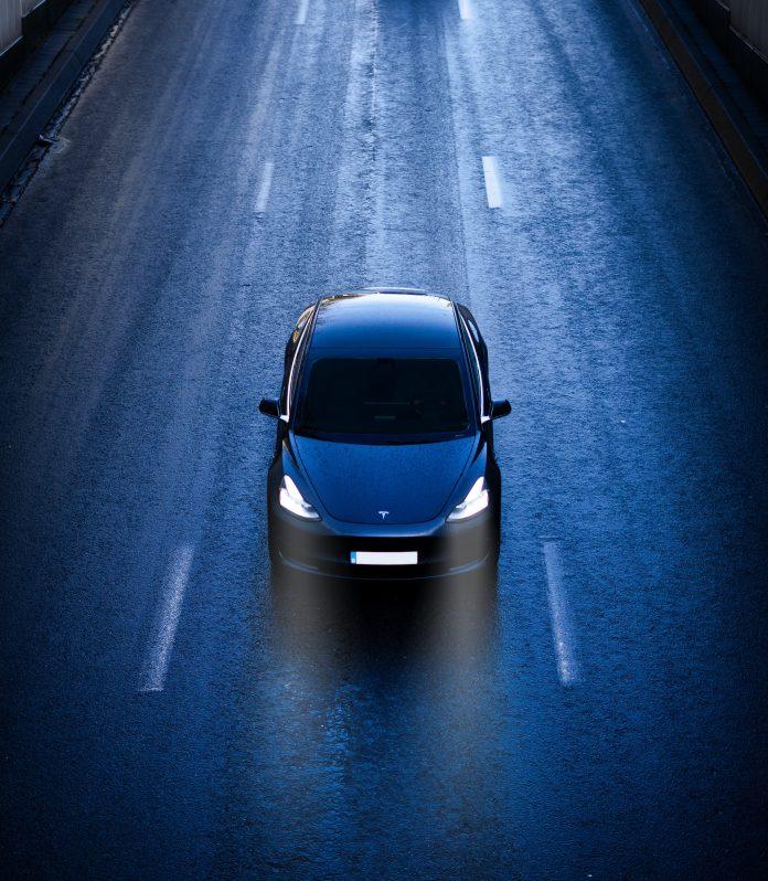 Tesla car by Dylan Calluy Unsplash