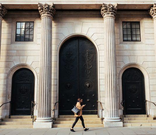 Bank of England warns of Bitcoin